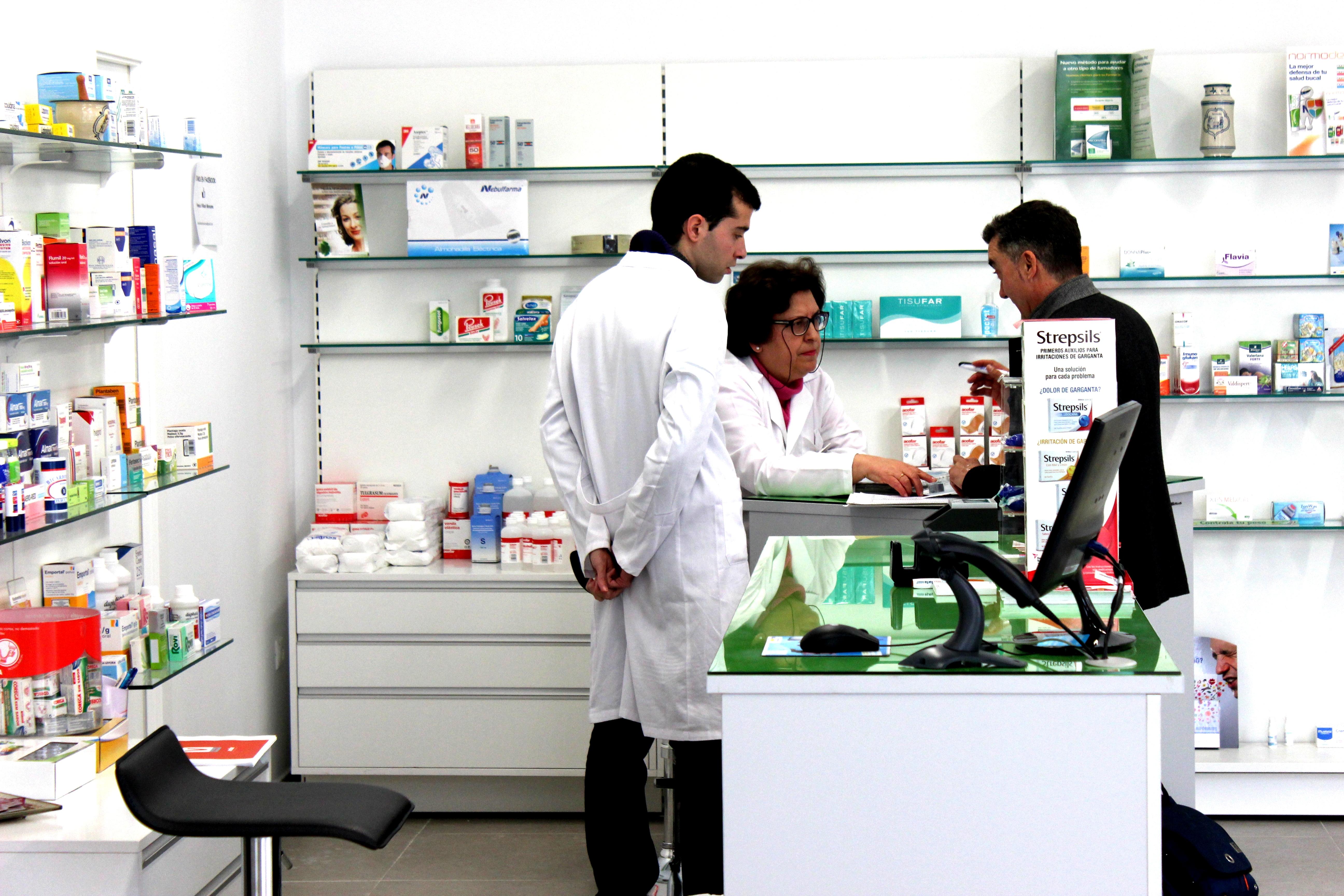 Farmacia Villasol Maracena Mar A Ngeles # Muebles Farmacia